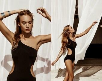 Luxury posh black solid wavy swimwear