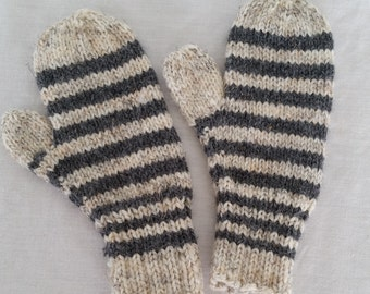Child striped mitten, in grey and oatmeal heather stripes. Size Small                                                     8