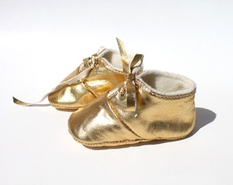 3 - 6 Months Slippers / Baby Shoes Lamb Golden Glitter Dore