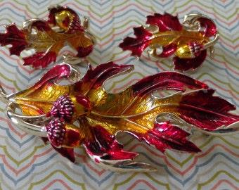 Vintage Brooch Earring Demi Parure Fall Leaves Acorn Gold Tone