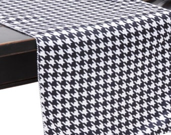 Houndstooth Black/White Satin Table Runner