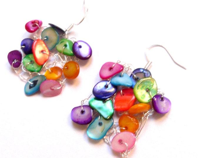 Crochet wire jewelry. Multicolor silver plated earrings. Jewelry made in France par Dekalyna. French handmade jewellery.
