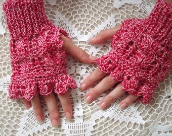 cotton light red gloves with scalloped fingers
