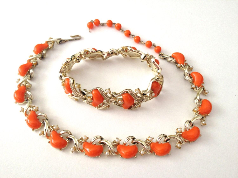 Vintage Jewelry Coro 20