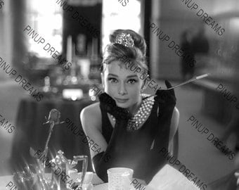 "Audrey Hepburn Wall Art Print of The Breakfast at Tiffany's Hollywood Legend Vintage A4 (11.7"" x 8.3"")"