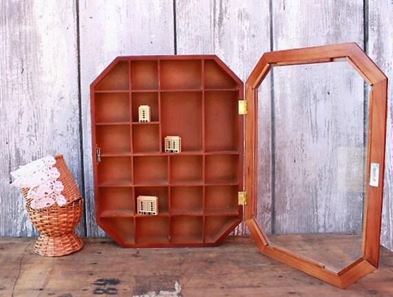 vintage display case wood glass 80s shelf collectibles. Black Bedroom Furniture Sets. Home Design Ideas