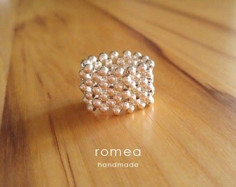 Beautiful handmade beaded ring - Silver Plated - Romea Accessories - Jewelry
