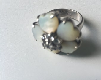 Beautiful Camelia silver ring with swarovski crystals Size 55 fr