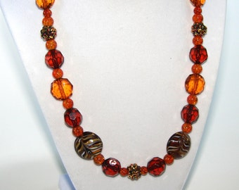 Brown necklace. Brown and amber necklace. Chunky necklace. Statement necklace. Shades of brown and sparkly amber bead necklace.