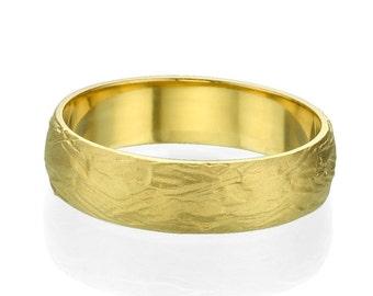 Beautiful 14k Yellow Gold Rounded Designer Men's Wedding Ring