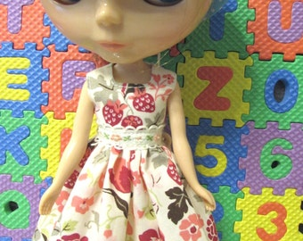 Blythe Doll Outfit Flower Print Beige Dress