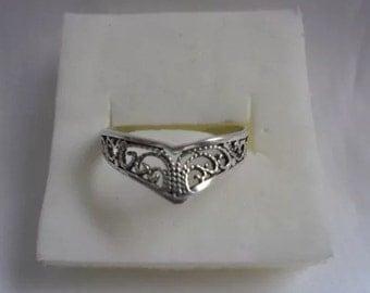 Vintage Sterling Silver Filigree Ring