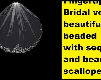 Bridal veil Beautiful Beads and sequin Scalloped Edge NWT