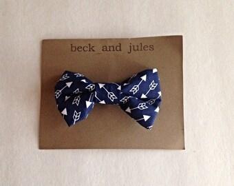 Boys navy arrow patterned clip bow tie