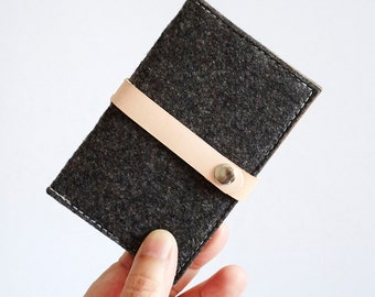 Handmade Wool Felt With Kraft Card Holder - Business card case, Card Holder, Gift for men, Ready to ship