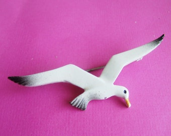Vintage Seagull Brooch / Pin / Seagull Jewelry / Bird brooch / Pin / Seagull Items / Nautical Jewelry / Nautical Brooch / Pin /Free Shipping