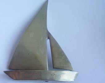 Vintage Brass Sailboat / Brass Statues / Nautical Statues / Sailboat Statues / Sailboat Decor / Nautical Items / Saiboat Items /