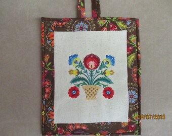 Wall hanging, ready to hang, Wycinanki, around the world, Poland, machine embroidery, home decor, walldecor, quilting,