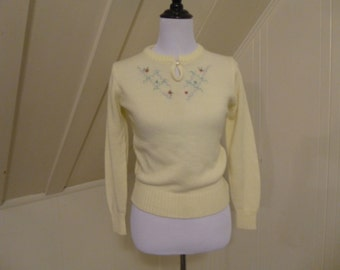 Vintage Sweet Cream Ivory Embroidered Sweater Small