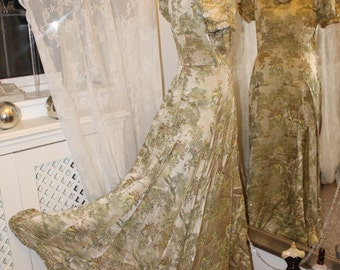 1930s oriental silk jean harlow dress - medeival style - Size 8 (UK)