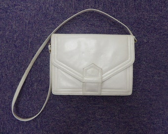 Vintage White Leather Handbag Made In The 1960's - Lovely!!