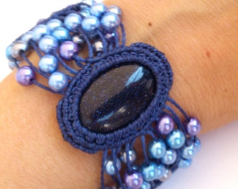 Macrame Bracelet with a Blue Sandstone Cab Cabochon