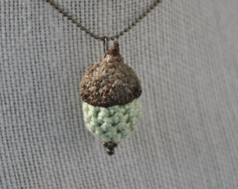 Jewelry - Necklace - Green - Crochet