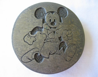 Vintage Disney Mickey Mouse Runnning Belt Buckle Walt Disney Productions