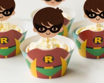 Cute Robin Cupcake Holders, Superhero Cupcake Holders, 3 Dimensional batman and robin cupcake holders