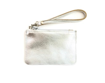 Leather coin purse in silver // leather wallet // minimalist metallic mini wristlet with removable key fob // gift for her