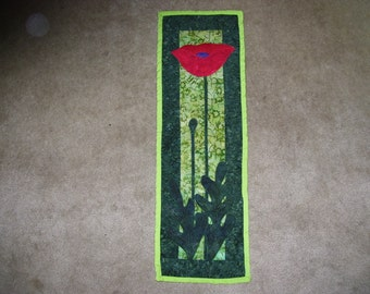 Poppy quilt-flower quilt-small quilt that has been machine quilted and appliqued ready to hang