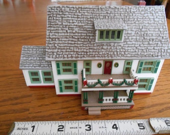 Christmas House: Sarah Plain and Tall Collection, Sarah's Maine House, Children's Book Author Patricia MacLachlan, Hallmark Movie Replica