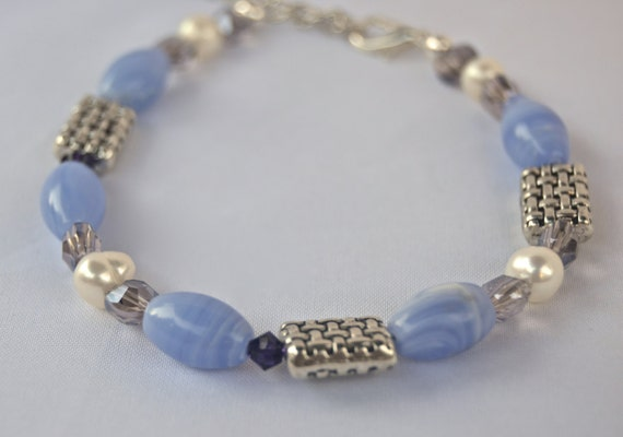 Blue lace agate and pearls bracelet