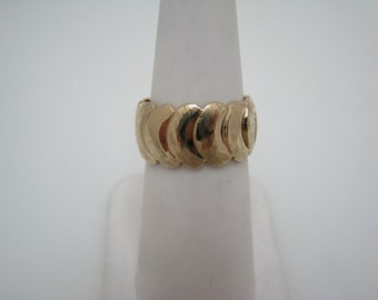 Beautiful 14k Yellow Gold Band