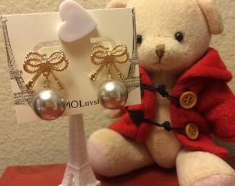 MomoLuvsParis Bow Pearl Earrings