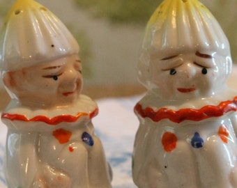 Vintage clown salt and pepper shakers hand painted Japan made