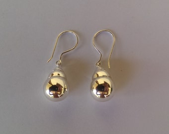 Handmade Solid 925 Sterling silver earring.