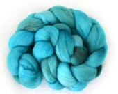 Falkland Wool Roving - Glacial - Hand dyed spinning fiber - 4oz