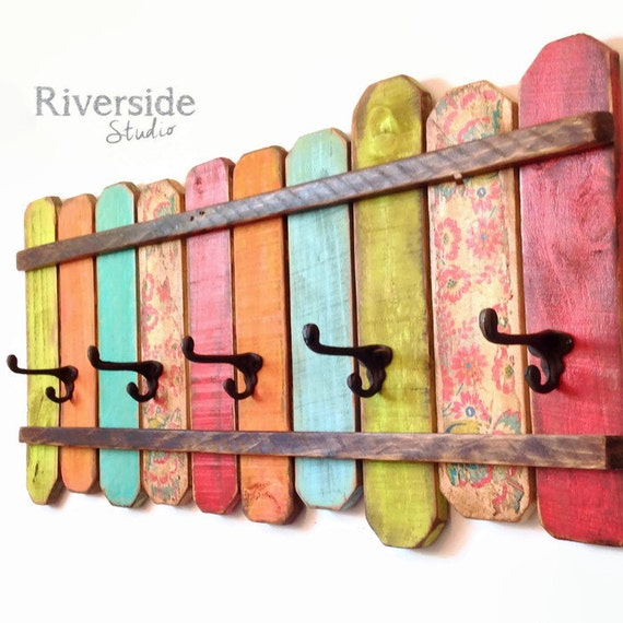 Rustic home decor coat rack handmade reclaimed wood - Percheros de pared originales ...