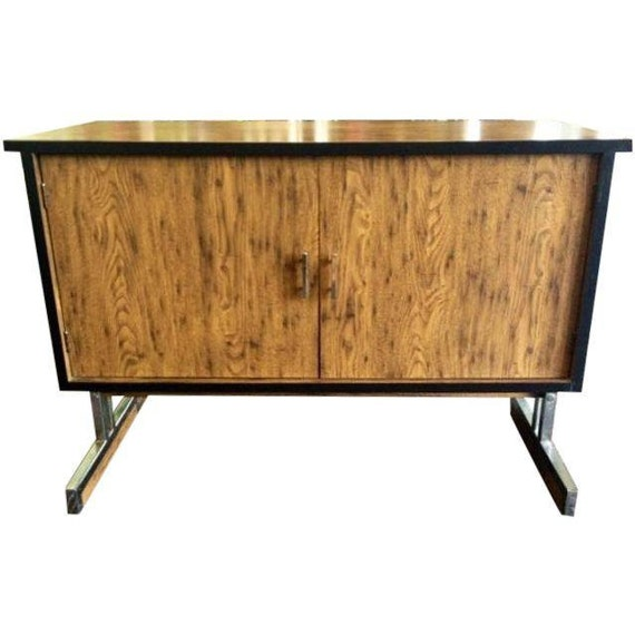 Vintage Mid-Century Modern Floating Media/Console Cabinet w/chrome