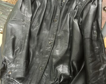 Women's Vintage Black Leather Jacket. Excellent Condition. Size 14. Vintage, Hipster, Chic, Cool, Retro.