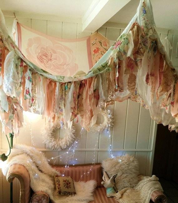 Shabby chic boho bedroom canopy bohemian hippy vtg scarves for Chambre style shabby chic