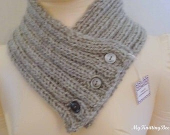 Hand Knit Ribbed Pattern Neck Warmer (0060)