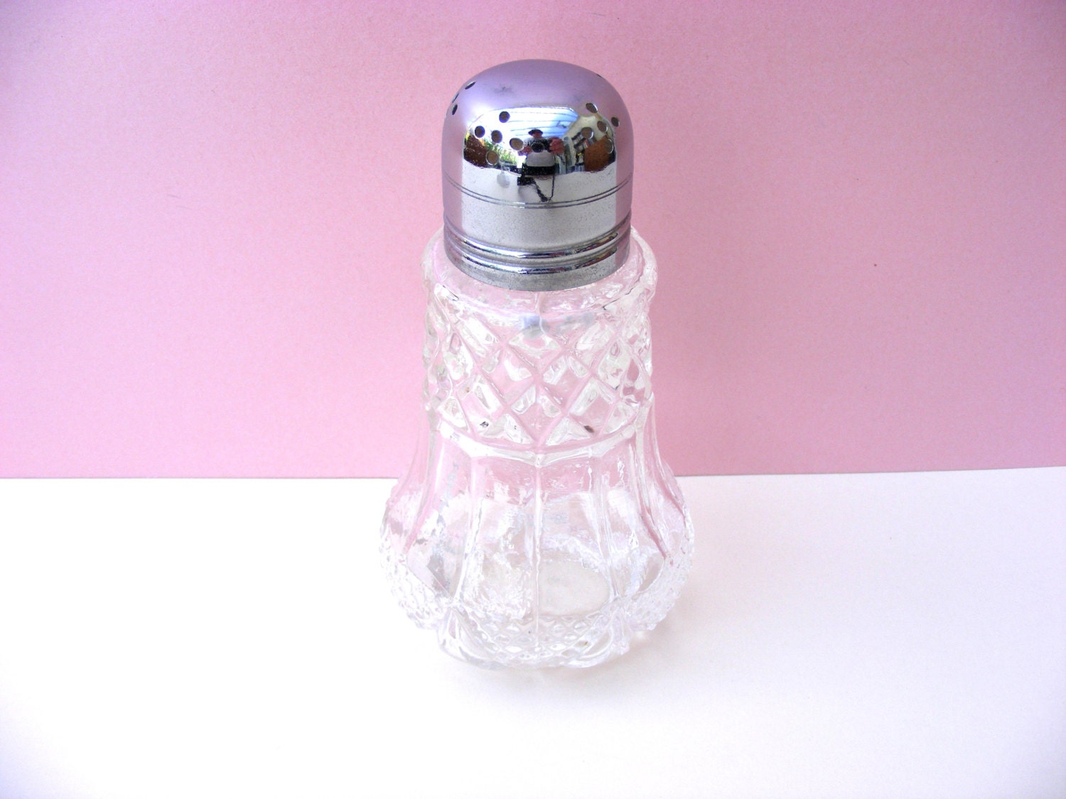 Ideal Vintage sugar shaker squirts when
