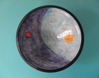 Ceramic bowl molded on a lathe and hand decorated with engobe technique and oxides. Single piece signed by me.