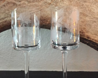 SALE! Pair of Beautiful Vintage Etched Wine Glasses with Floral Design