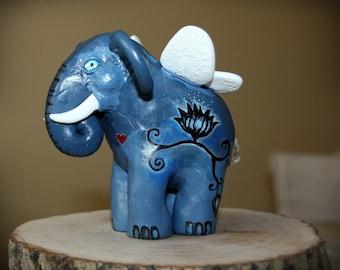 Blue elephant figurine / Totem animal