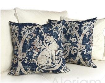 Medieval Lion Gryphon Heraldry Mythological Print Decorative Throw Pillow Cover
