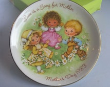 "Vintage Avon Collectible Mother's Day Plate ""1983 Love is a Song for Mother"" with Original Box. Gift for Mom Children with Flowers Plate."