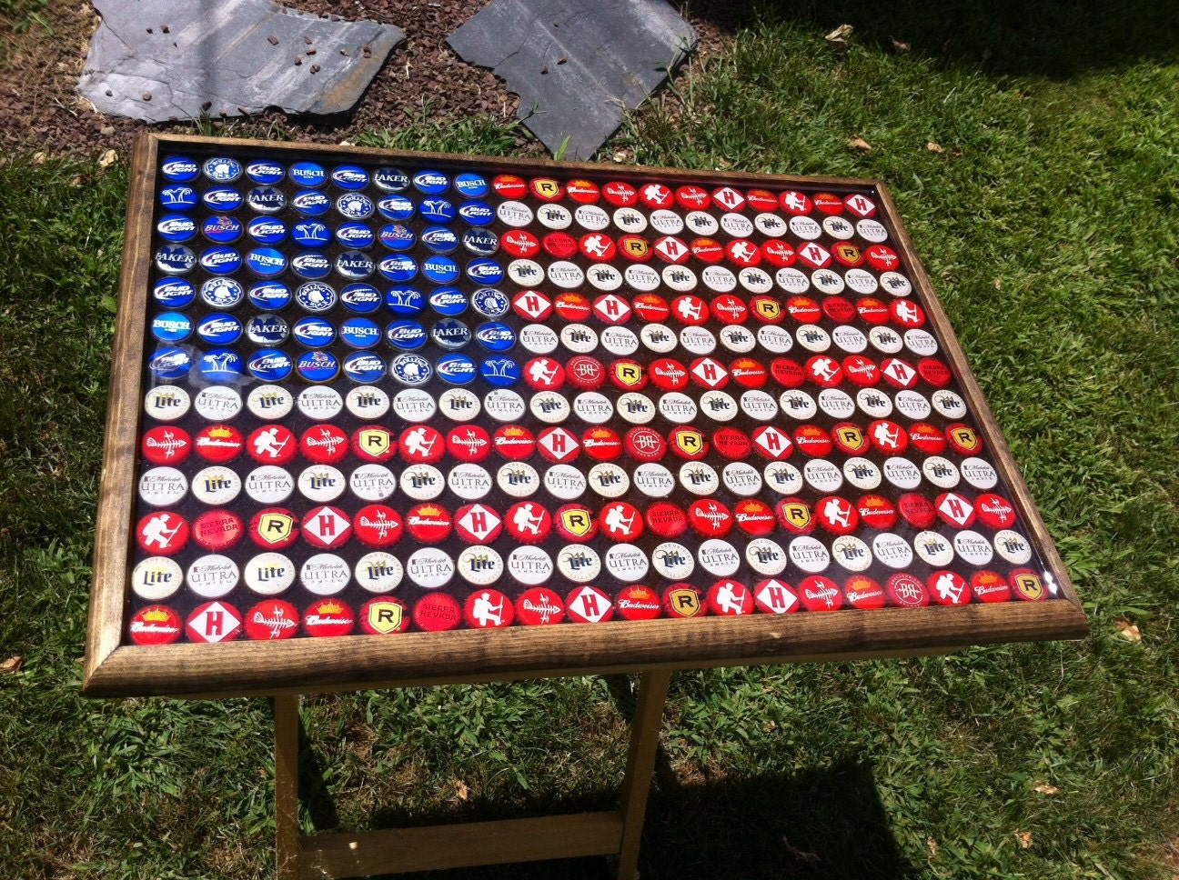 Beer bottle cap art american flag stained background for How to make beer bottle cap art